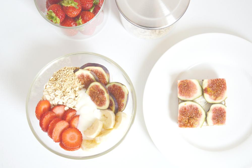 HealthyBreakfastStrawberryFigCereals2