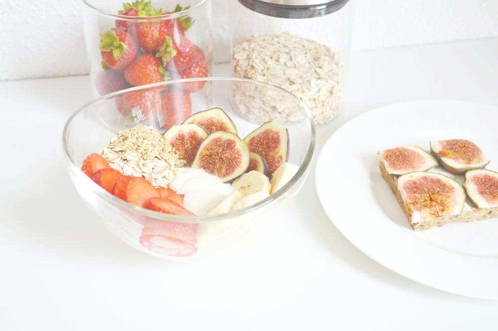 HealthyBreakfastStrawberryFigCereals3