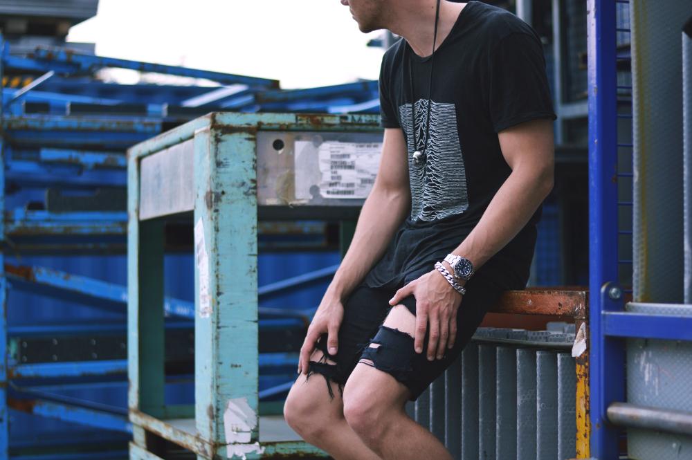 StreetstyleFashionbloggerRippedJeans2